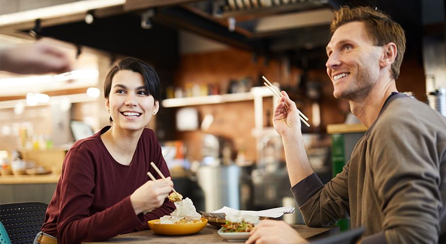 Abrir um restaurante de sucesso, irá depender de diversos fatores, mas principalmente de sua administração. Confira cinco dicas para ter sucesso.